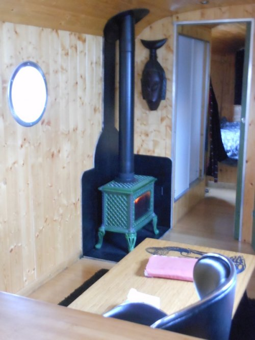 petit poele a bois a vendre energies naturels. Black Bedroom Furniture Sets. Home Design Ideas