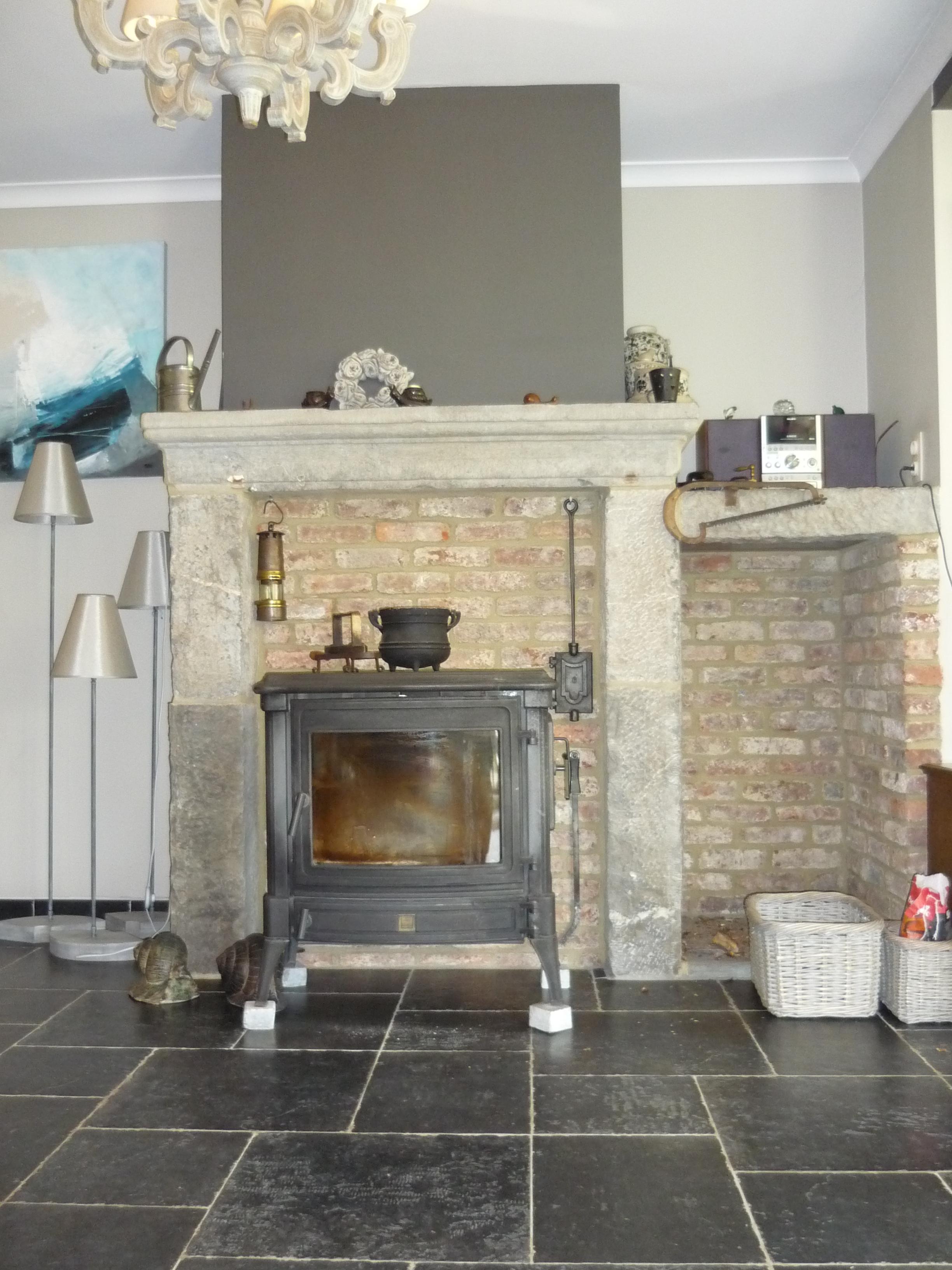 poele a bois dans cheminee sans tubage. Black Bedroom Furniture Sets. Home Design Ideas